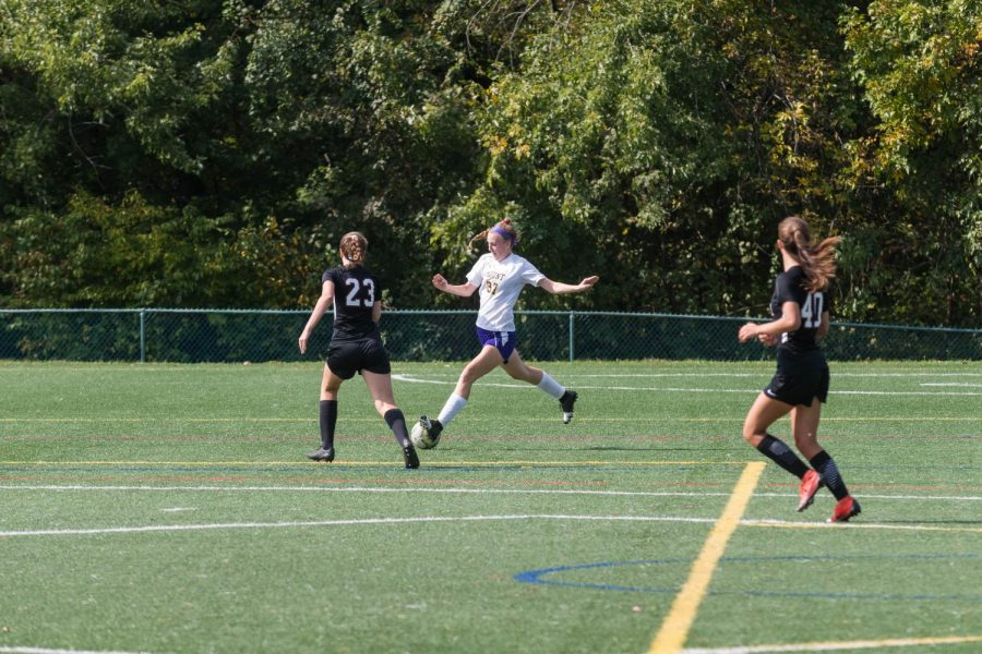 Kate Kelly 22 prepares to send the ball up the field during the MSJA vs. Radnor soccer game.